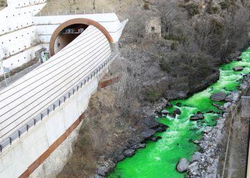 inquietud color verde fosforescente río valira