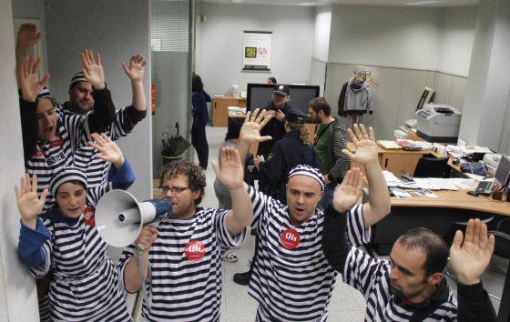 La cig ocupa varias oficinas de bankia para protestar por for Buscador oficinas bankia