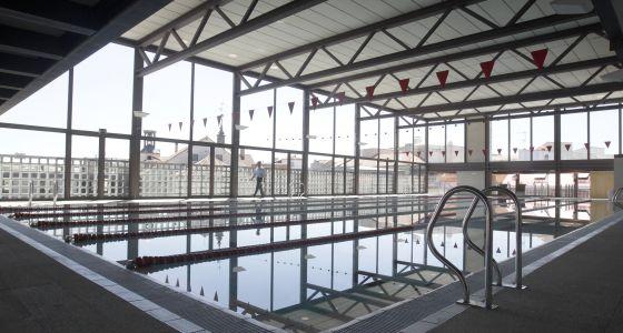 Al fin una piscina cubierta en el centro madrid el pa s for Restaurante escuela de arquitectos madrid