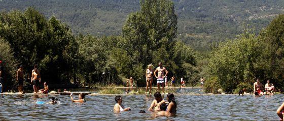 Chapuzones en la otra playa de madrid madrid el pa s for Las mejores piscinas naturales de madrid