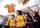 Miles de personas salen a la calle por los recortes educativos