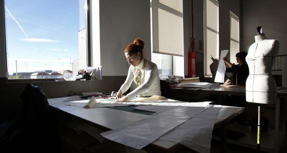 Loewe convierte la planta de getafe en su centro mundial for Oficina de correos getafe