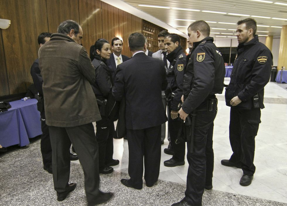 Madrid. Suspendida la proclamación del nuevo decano del Colegio de Abogados 1355863280_029089_1355876381_noticia_grande