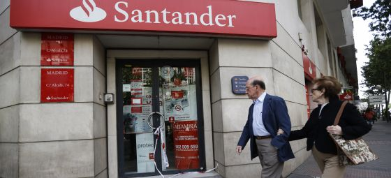 Cuatro hombres armados atracan una sucursal del banco for Banco santander abierto sabado madrid