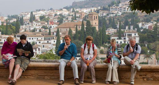 El enredo de la alhambra andaluc a el pa s - Residencia los jardines granada ...
