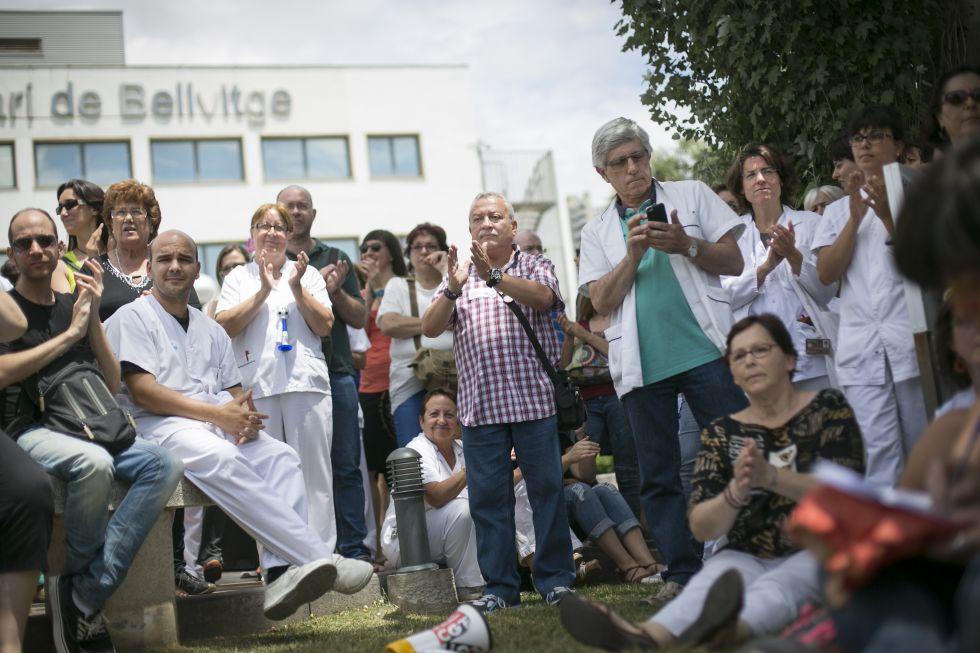 Derecho a sanidad gratuita y realidad capitalista. - Página 3 1403698460_067837_1403709143_noticia_grande