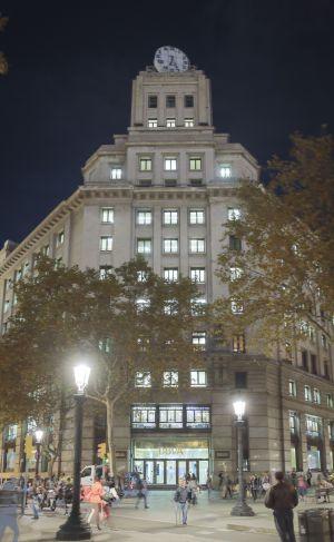 El bbva tanca la seva oficina de la pla a de catalunya for Oficinas bbva barcelona