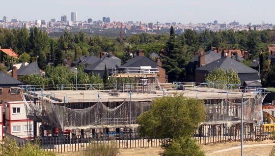 Pozuelo paraliza un mcdonald 39 s al que se opon a una - Urbanizacion la finca madrid ...