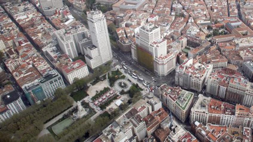 La reforma de la plaza de espa a peatonalizar la calle de - Arquitectura de interiores madrid ...
