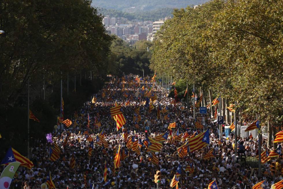 Los contrarios a la independencia superan en cuatro puntos a los partidarios, según el CIS catalán