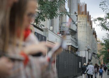 proyecto gaudí contemplaba escalinata sagrada familia amenaza varias