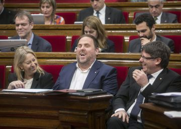Puigdemont niega ?negociaciones? con Rajoy para tranquilizar a ERC y la CUP
