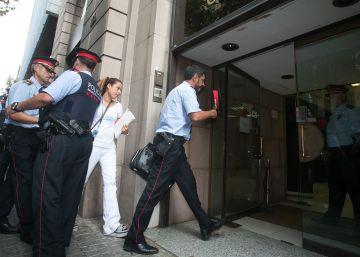El mayor de los Mossos acata la orden de la Fiscalía y manda a investigar el referéndum