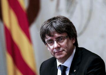 Mundó renuncia al acta de diputado y el Parlament recibe la credencial de Puigdemont