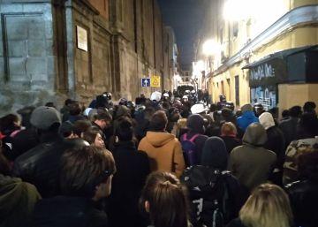 Cargas policiales en Lavapiés tras las protestas por la muerte de un mantero