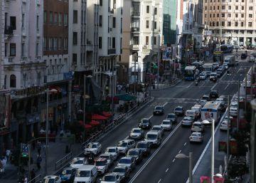 Madrid prohibirá en noviembre el acceso al centro a los vehículos sin etiqueta ambiental