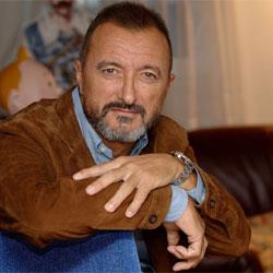 Cuadrilla de golfos apandadores Arturo_Perez-Reverte_autor_saga