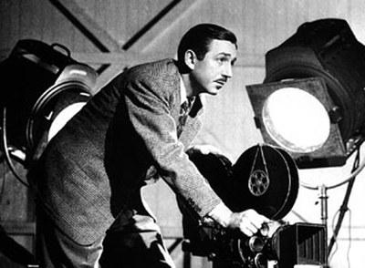 Walt Disney, durante el rodaje de una de sus películas