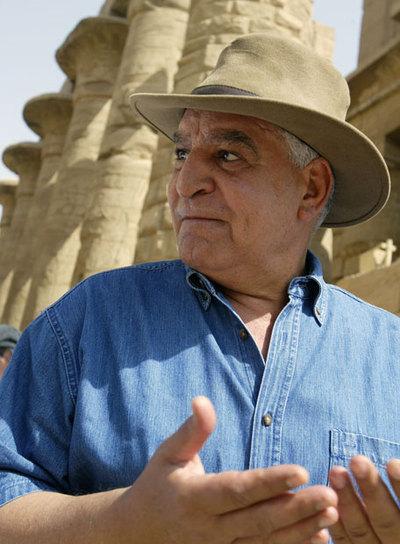 Zahi Hawass, arqueólogo