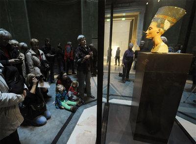 Nefertiti, la estrella de Berlín, se muda al 'Nuevo museo' Nefertiti_Neues_Museum_berlines