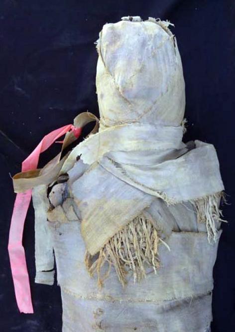 Misterio de las 18 momias Vendaje_rematado_bufanda