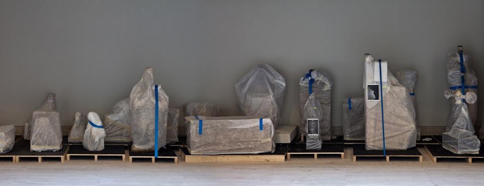 Las obras del Museo Arqueológico esperan su nueva ubicación en el restaurado edificio. JOSÉ MANUEL BALLESTER