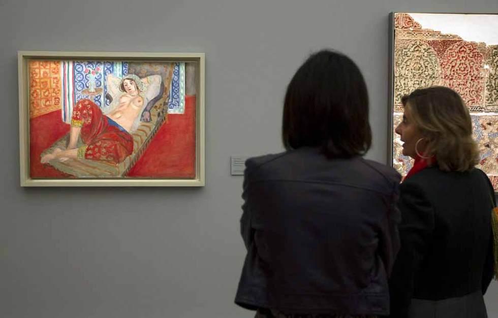 Odalisca con pantalón rojo, una de las obras de la exposición de Henri Matisse, Matisse y La Alambra en el museo de Bellas Artes de Granada. Julián Rojas