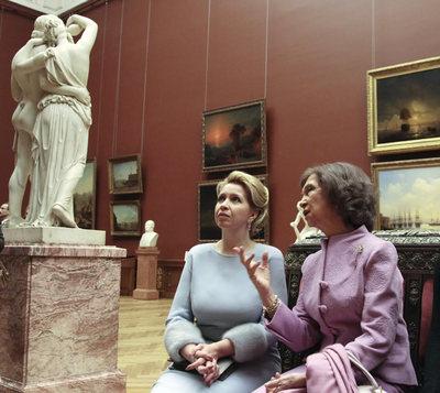 Svetlana Medvedev y la reina Sofía en el Ermitage