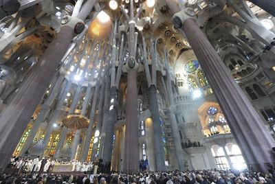 El interior de la Sagrada Familia de Barcelona, durante la reciente visita del Papa Benedicto XVI.- EFE