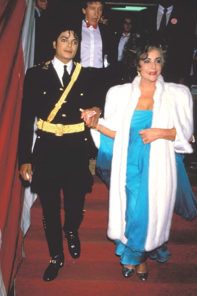 Elizabeth Taylor y Michael Jackson juntos contra el sida. Amigo_Michael