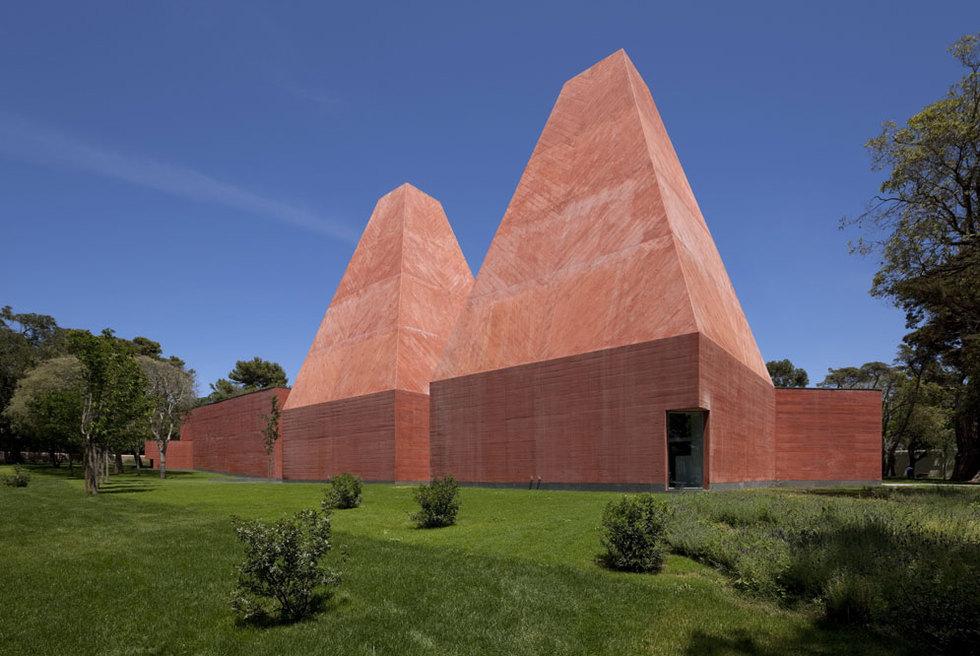 La Casa das Histórias en Ibiza, obra del portugués Eduardo Souto de Moura, premiado con el Pritzker, el Nobel de la arquitectura. LUIS FERREIRA ALVES
