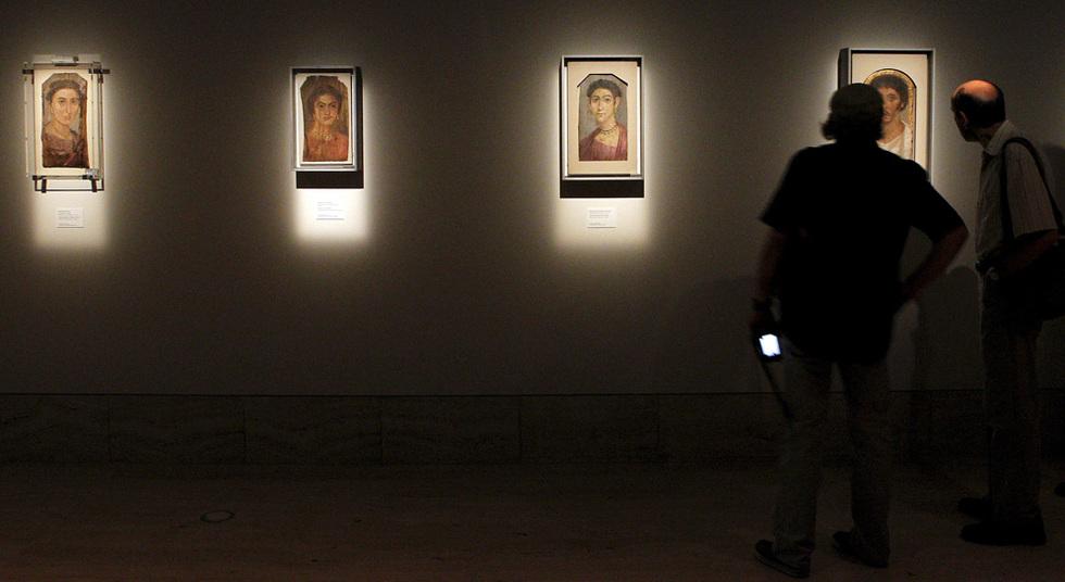 Varios de los retratos de la exposición que inaugurará oficialmente la reina Sofía el 1 de junio. La mayoría de las piezas de la muestra proceden de la necrópolis de Fayum. Para los organizadores de PhotoEspaña estas son los primeras fotos de carné de identidad de la historia. EFE