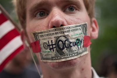 Un manifestante del movimiento Ocupa Wall Street