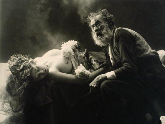 Modelo clásico de monólogo en teatro trágico
