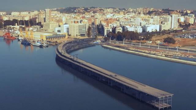 Un tsunami sobre Cádiz y Huelva