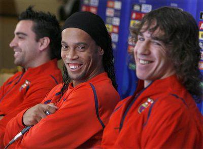 Puyol_Ronaldinho_Xavi_Tokio
