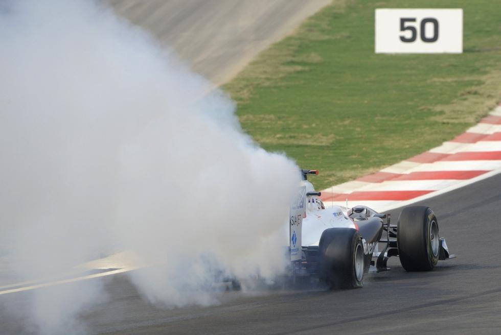 El primer GP de India en imágenes  - Humo en la pista