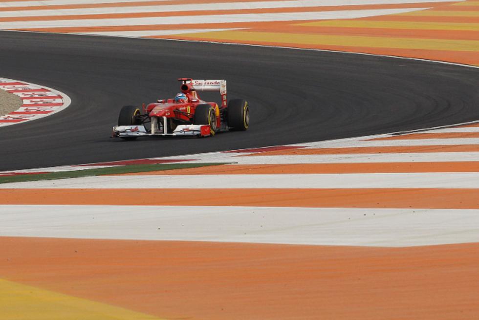 El primer GP de India en imágenes  - Ferrari, en la segunda línea