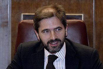 Carlos Aragonés, un desconocido en la calle desierta