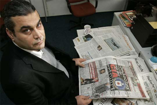 Khaled al Masri muestra diarios donde se informa de cómo lo secuestró la CIA en Stuttgart