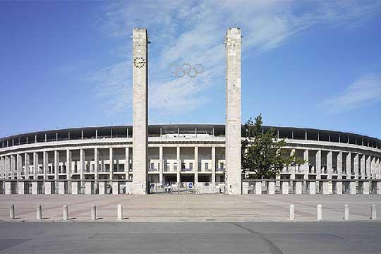 Estadio Olímpico de Berlin, Alemania Estadio_Olimpico_Berlin_inaugurado_1936_Hitler_remodelado_Von_Gerkan_Marg