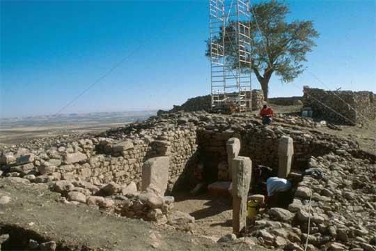 Cuatro de los pilares descubiertos en el yacimiento arqueológico de Göbekli Tepe (Turquía)