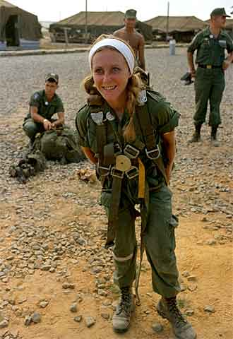 Catherine Leroy, en Vietnam, en 1967.