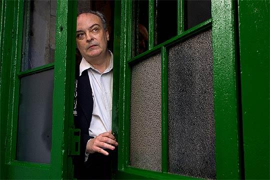 http://www.elpais.com/recorte/20060825elpepirdv_13/SCO250/Ies/novelista_Enrique_Vila-Matas.jpg