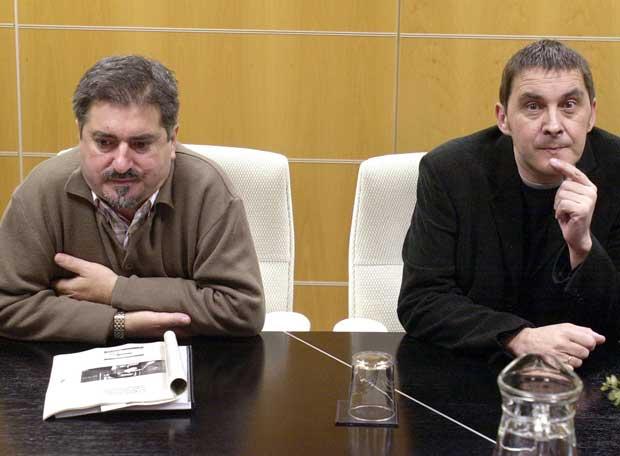 el socialista, Chuchi Eguiguren, y el batasuno proetarra, Arnaldo Otegi