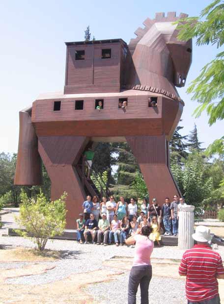 Una reproducción del célebre caballo de Troya
