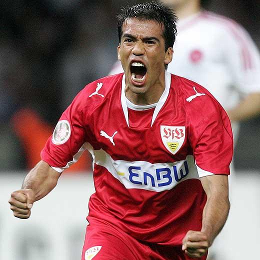 http://www.elpais.com/recorte/20071001elpepidep_6/LCO340/Ies/Pavel_Pardo_celebra_gol.jpg