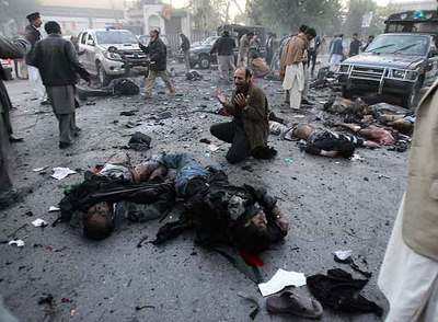 http://www.elpais.com/recorte/20071228elpepiint_2/LCO340/Ies/hombre_llora_muerte_Benazir_Bhutto.jpg