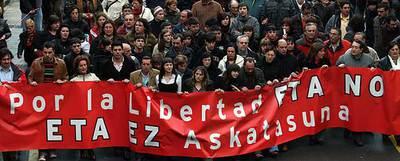 Manifestación contra ETA en Mondragón - Jesús Uriarte