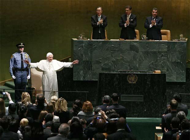 El Papa advierte contra los que socavan la autoridad de la ONU